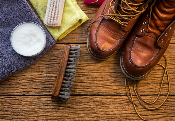 Trucos para limpiar los zapatos